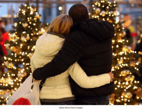 How to introduce your partner to your family for the first time during the holidays, according to a relationship expert | Business Insider Australia feature